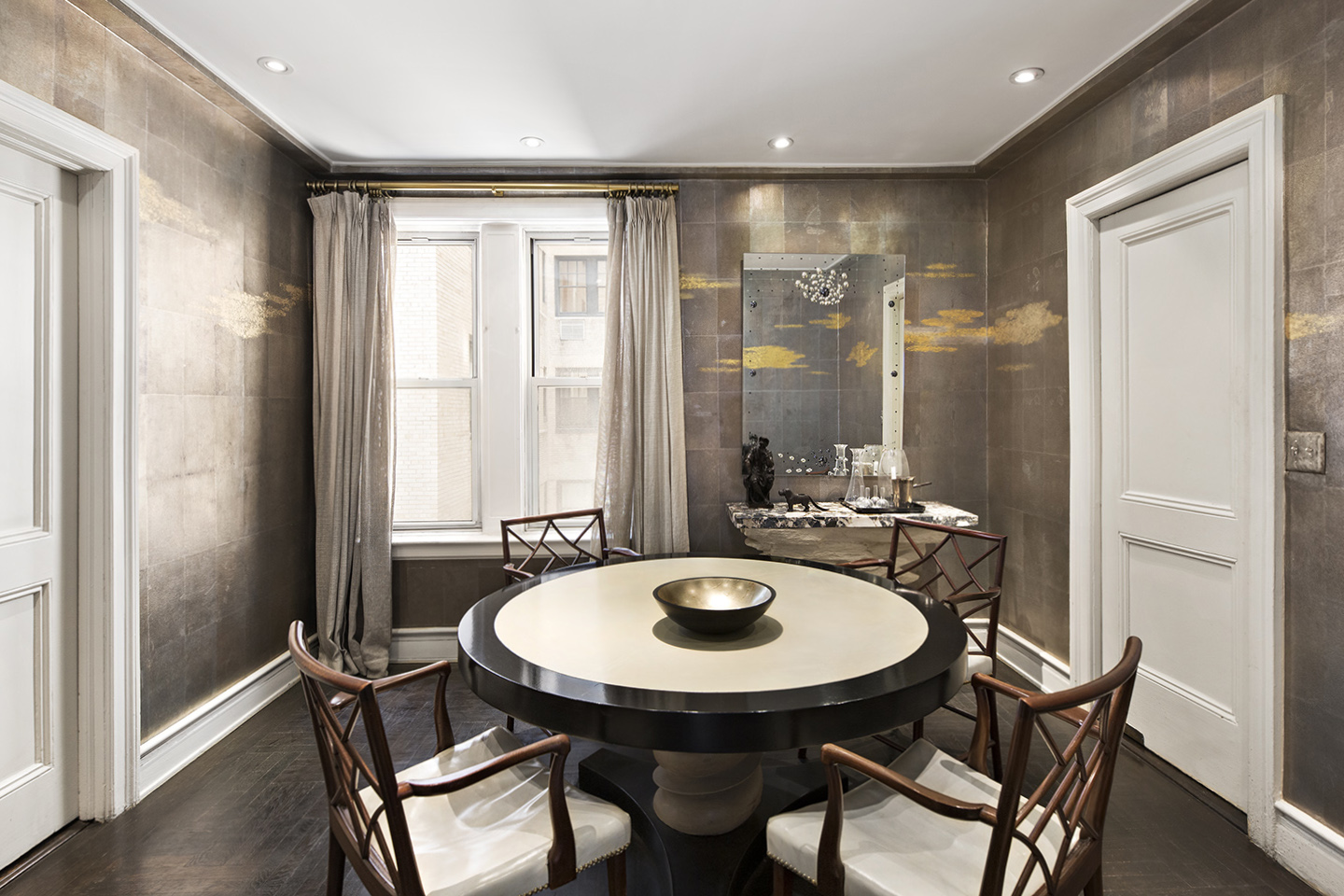 NYC Park Avenue Penthouse Dining